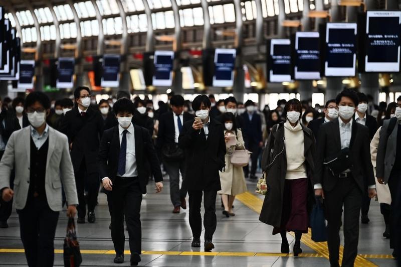 Hộ chiếu miễn dịch có thể hồi sinh nền kinh tế toàn cầu? - Ảnh 1.