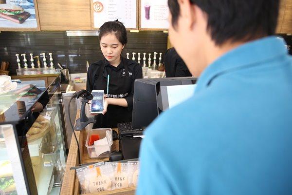 Thiếu lời giải cho bài toán mobile money - Ảnh 1.