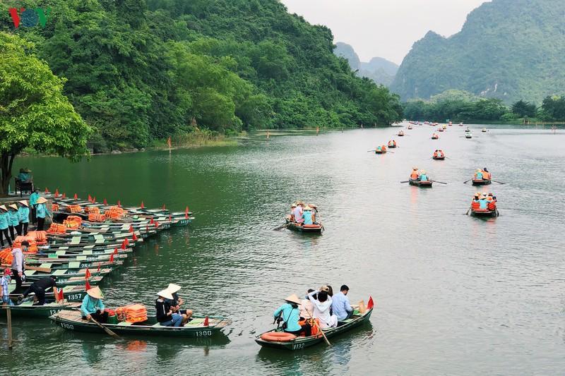 Du lịch giá rẻ có kích cầu được du lịch nội địa - Ảnh 1.