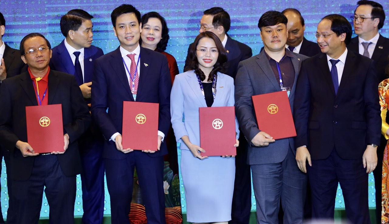 Tập đoàn FLC kí biên bản ghi nhớ ba dự án 1.540 ha tại Hà Nội - Ảnh 1.