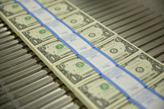 Người Mỹ đang có nhiều tiền hơn bao giờ hết - Ảnh 1.