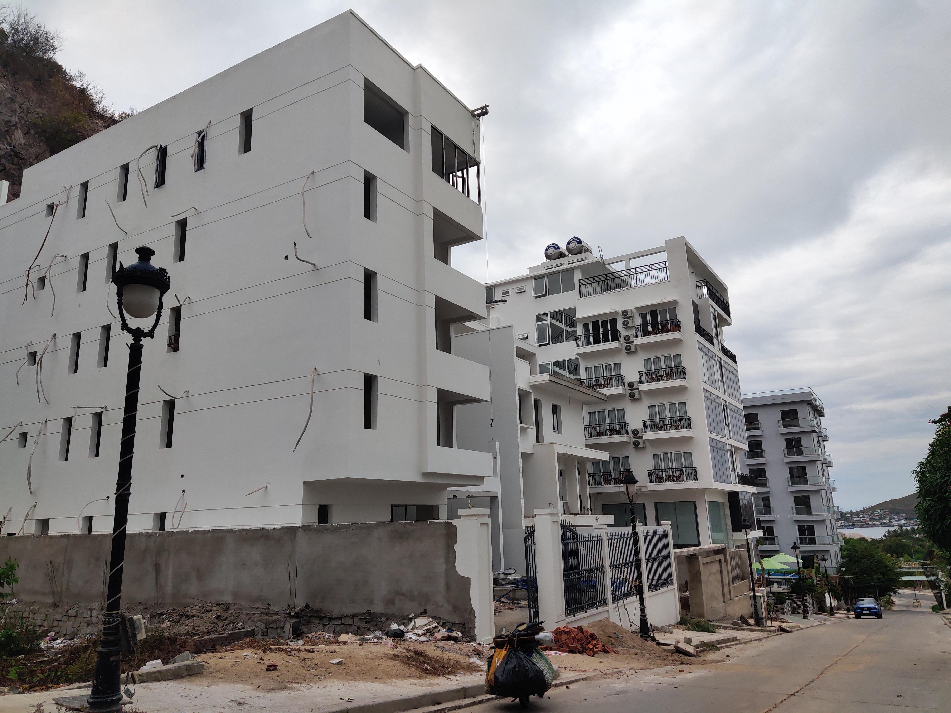 Cận cảnh dự án Ocean View ung dung hoàn thành các căn biệt thự bất chấp lệnh cưỡng chế - Ảnh 12.