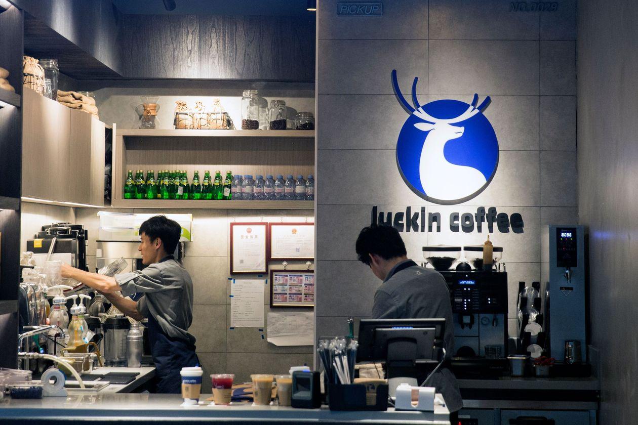 """[eMagazine] Đằng sau thành công không tưởng của """"Starbucks Trung Quốc"""": Khi mọi thứ đều là hư cấu - Ảnh 8."""