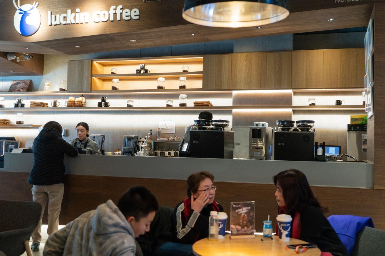 """[eMagazine] Đằng sau thành công không tưởng của """"Starbucks Trung Quốc"""": Khi mọi thứ đều là hư cấu - Ảnh 5."""