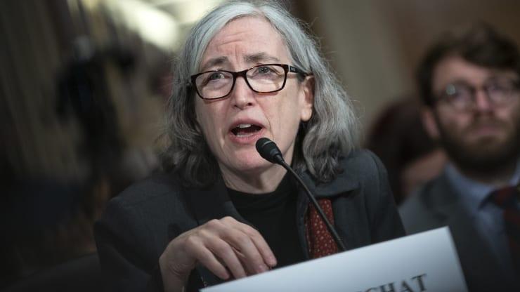 Phó Giám đốc CDC: 'Virus SARS-CoV-2 ở Mỹ nhiều đến mức khó kiểm soát' - Ảnh 1.