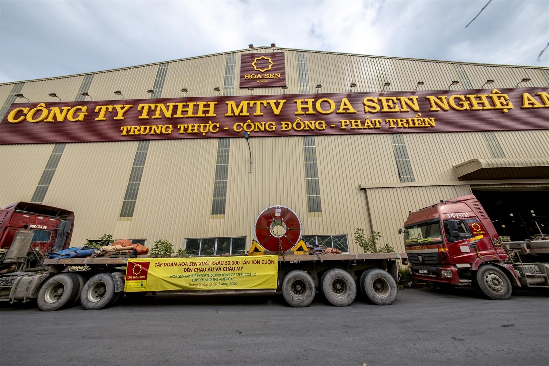Hoa Sen xuất khẩu 50.000 tấn tôn tới châu Âu và Mỹ - Ảnh 1.