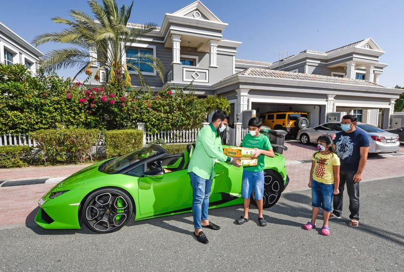 Độc đáo: Siêu thị dùng Lamborghini giao xoài cho mỗi đơn hàng từ 635.000 đồng - Ảnh 2.