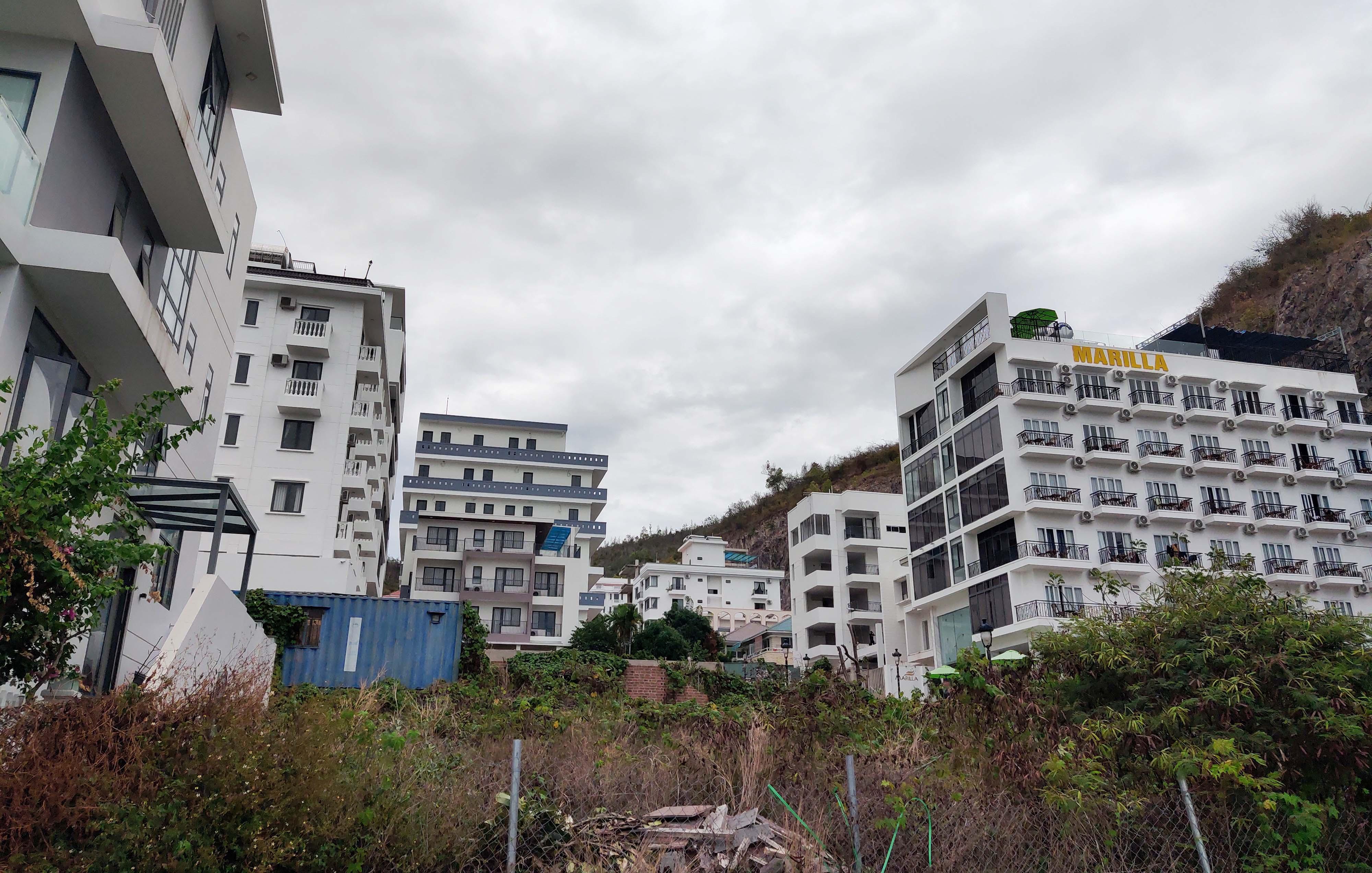 Cận cảnh dự án Ocean View ung dung hoàn thành các căn biệt thự bất chấp lệnh cưỡng chế  - Ảnh 1.