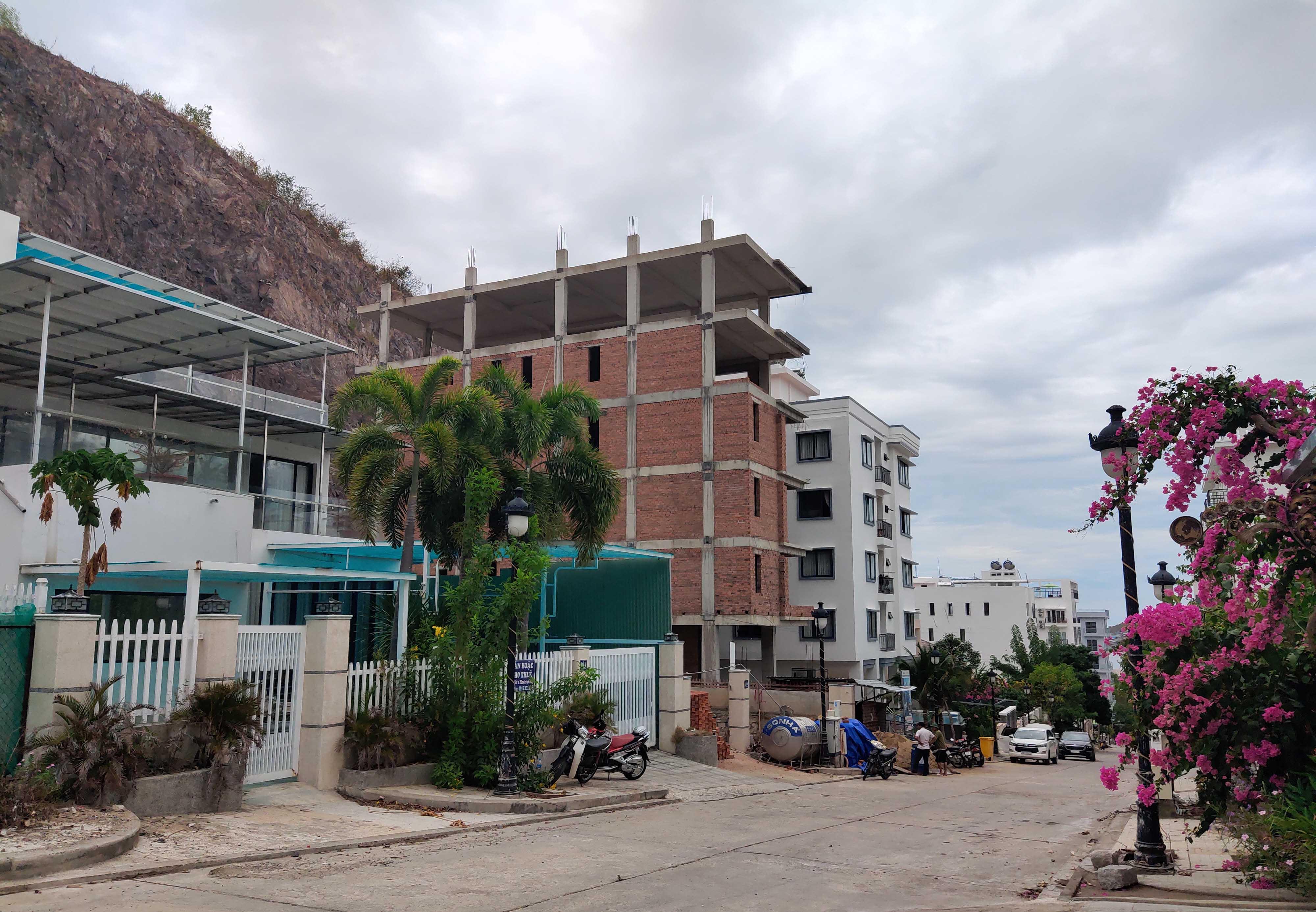 Cận cảnh dự án Ocean View ung dung hoàn thành các căn biệt thự bất chấp lệnh cưỡng chế - Ảnh 8.