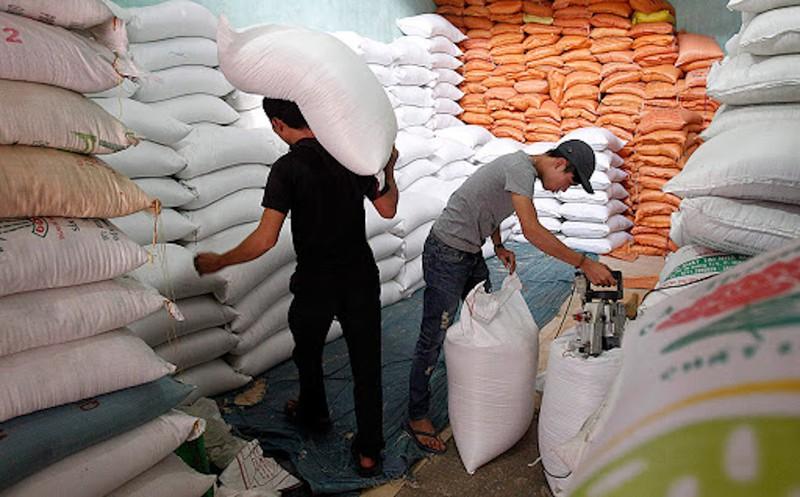 Gạo Việt tiếp tục đắt khách, giá bán tăng cao - Ảnh 1.