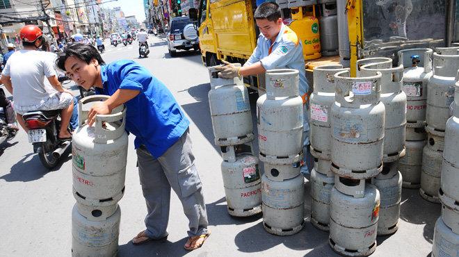 Giá gas tăng lần thứ 3 trong năm, tổng mức tăng 85.000 đồng mỗi bình - Ảnh 1.