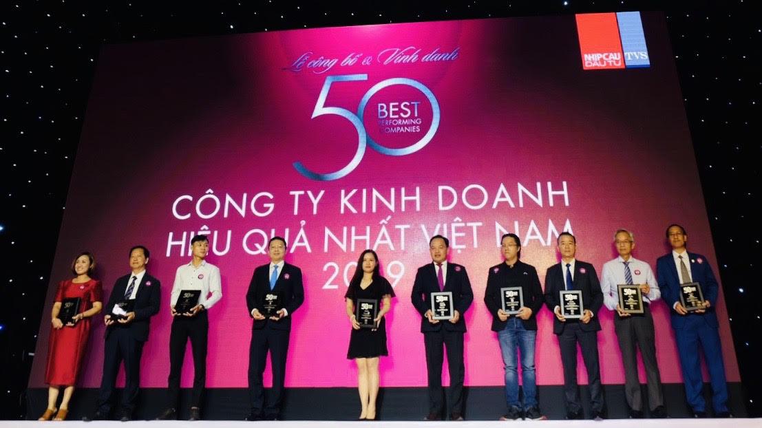 Tập đoàn Bảo Việt: Doanh nghiệp Việt tỉ đô trong Top 50 công ty kinh doanh hiệu quả nhất Việt Nam - Ảnh 1.