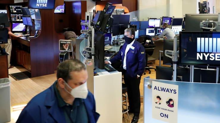 Chứng khoán Mỹ bước vào mùa báo cáo thu nhập tồi tệ nhất trong 12 năm giữa nỗi lo về COVID-19 - Ảnh 1.