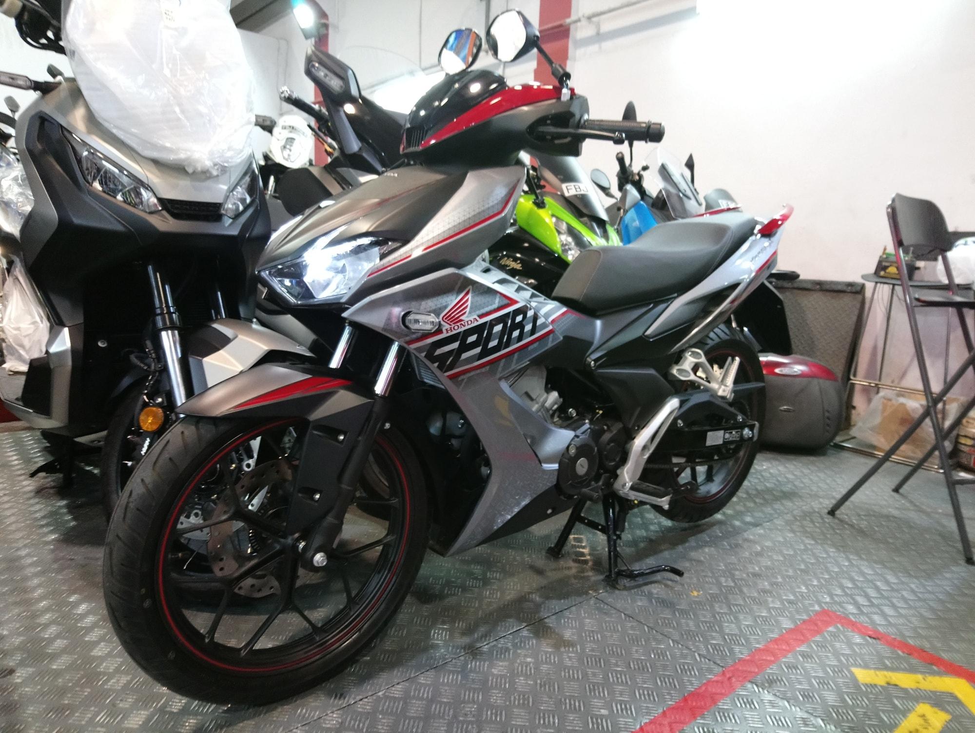 Honda Winner X rớt giá thảm sau một năm ra mắt - Ảnh 2.