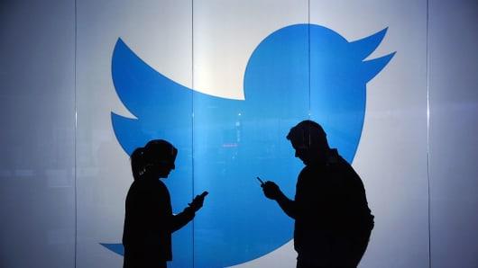 5 câu hỏi cần Twitter giải đáp sau sự cố hàng loạt tài khoản VIP bị hack - Ảnh 1.