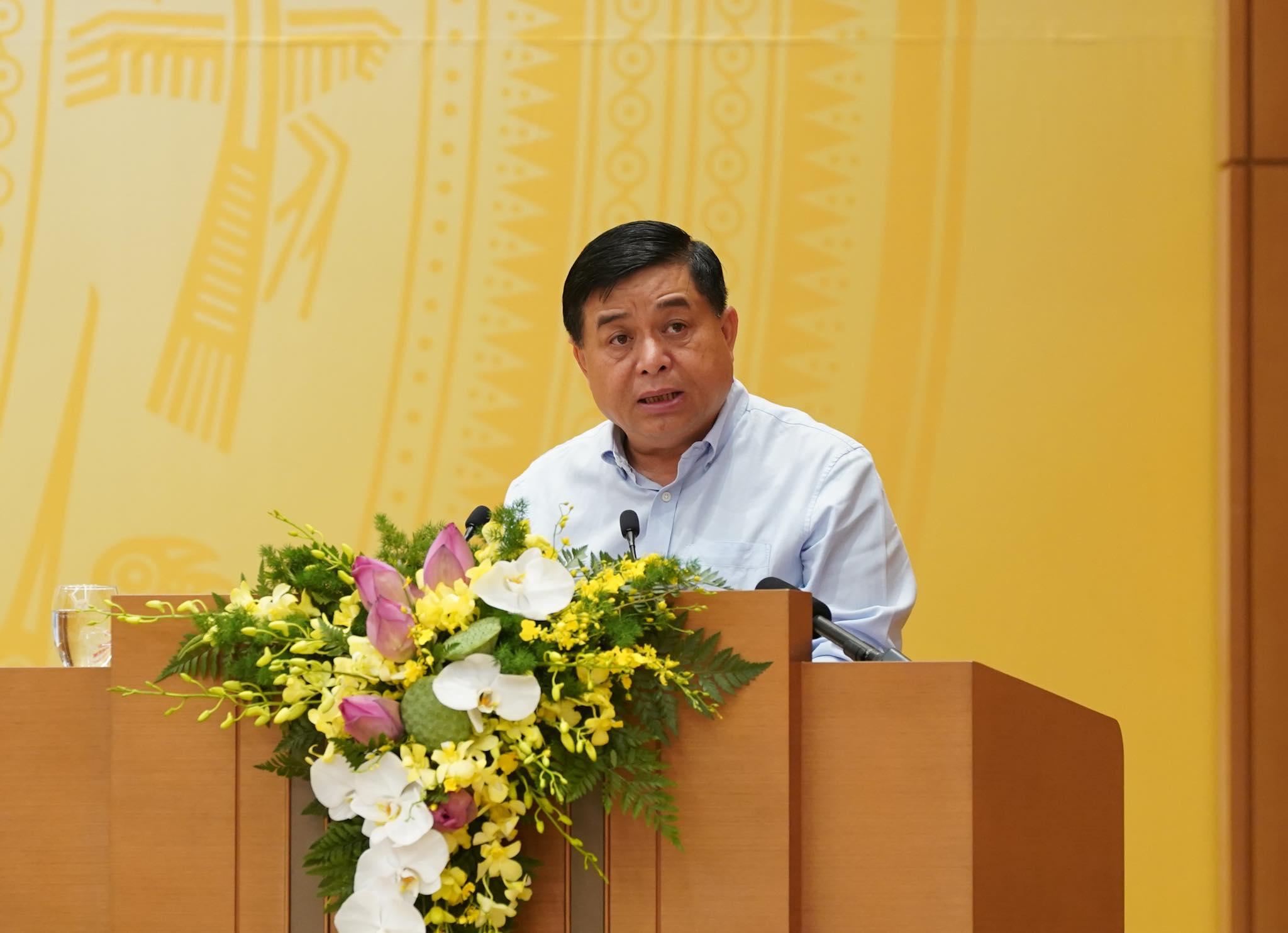Bộ trưởng Nguyễn Chí Dũng: Cần lập ban chỉ đạo quốc gia chống suy thoái kinh tế - Ảnh 1.