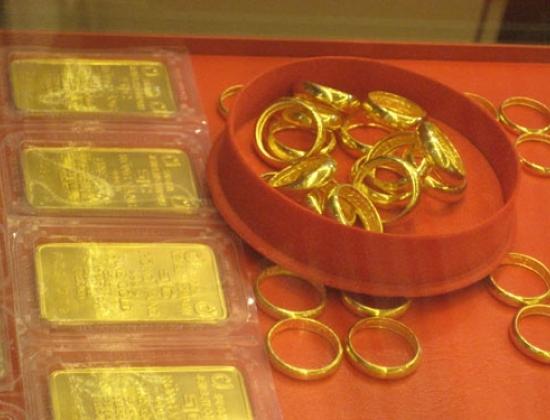 Giá vàng hôm nay 2/7: SJC giảm sâu 300.000 đồng/lương tại các cửa hàng trên toàn quốc - Ảnh 2.