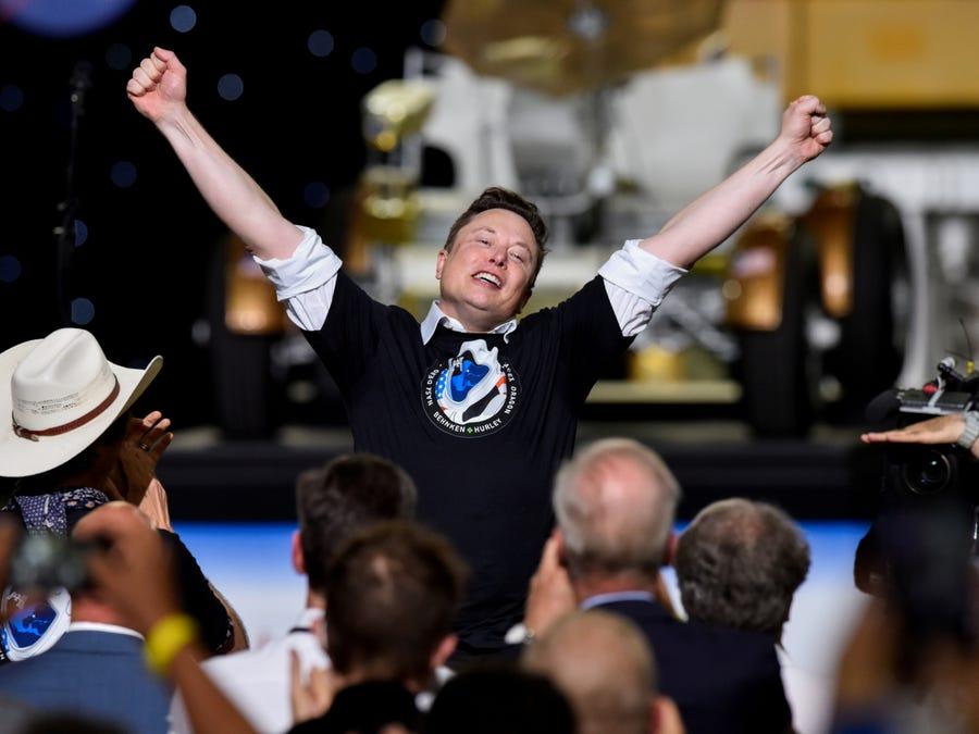 Elon Musk trở thành người giàu thứ 5 thế giới - Ảnh 1.