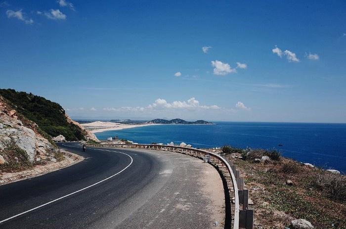 Thanh Hóa: Phấn đấu đến năm 2025 hoàn thành tuyến đường ven biển  - Ảnh 1.