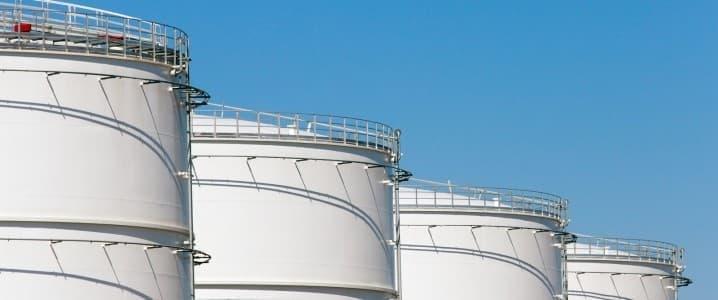 Giá xăng dầu tuần tới: Kịch bản nào cho giá dầu trước đợt bùng phát COVID-19 thứ hai? - Ảnh 1.