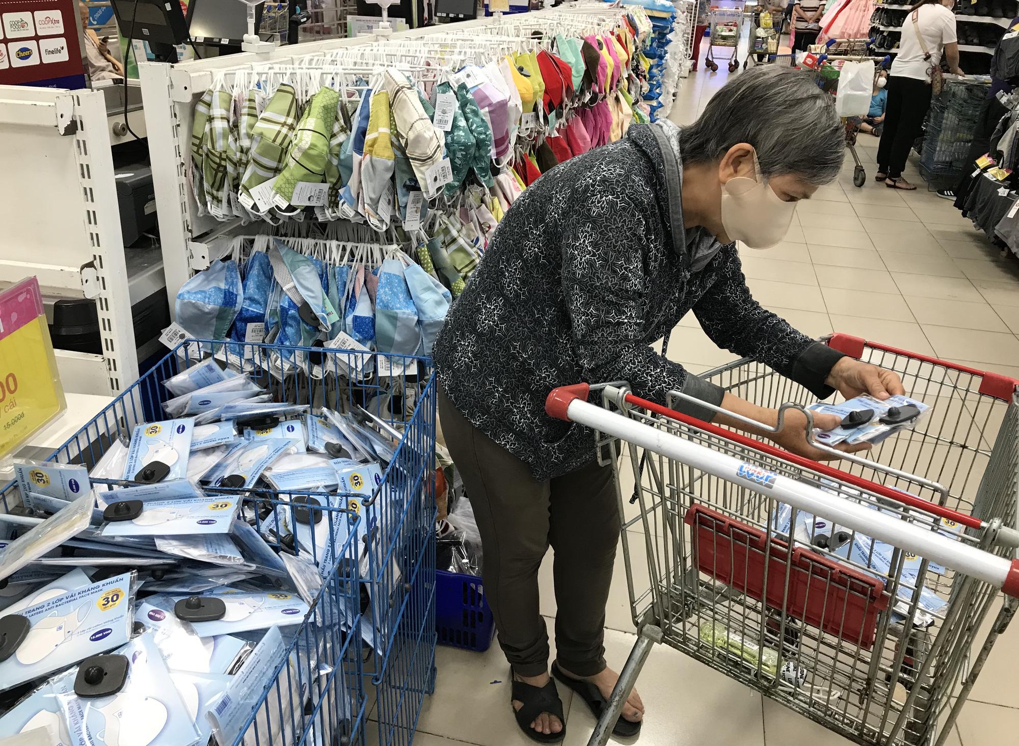 Đà Nẵng tạm thời đóng cửa các cơ sở kinh doanh dịch vụ thẩm mĩ - Ảnh 1.
