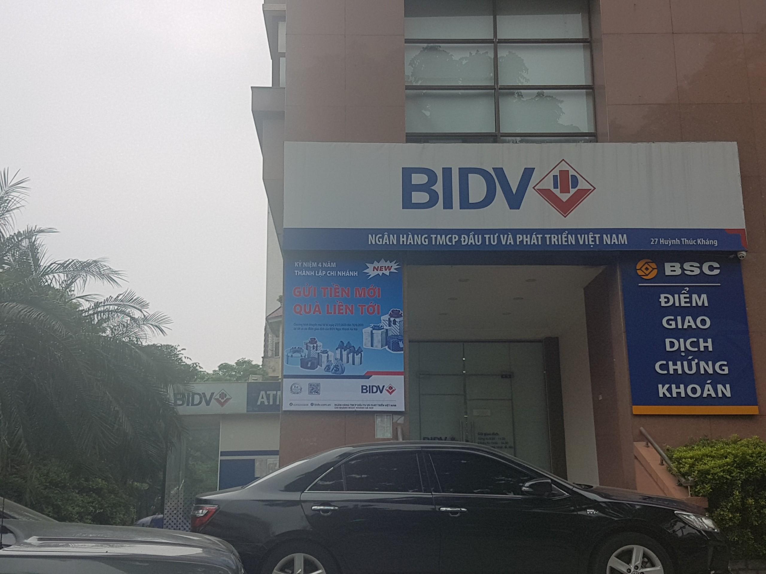 Cướp ngân hàng BIDV tại chi nhánh Ngọc Khánh, Hà Nội - Ảnh 2.