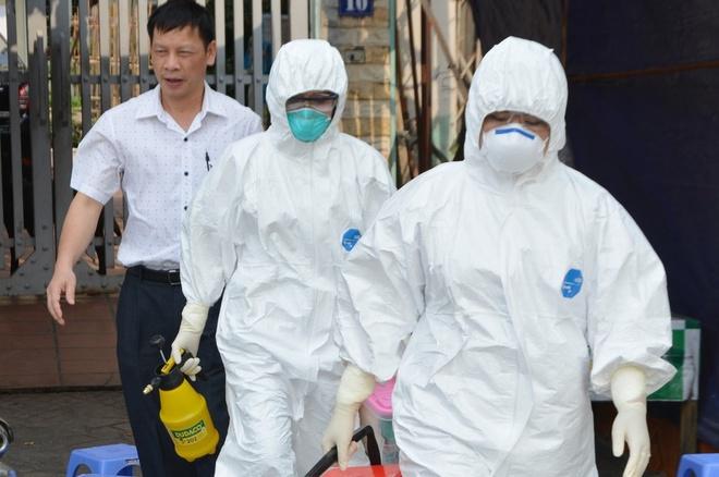 Thủ tướng: Chưa tìm ra F0, nhiều nguy cơ lây nhiễm cao ở các thành phố lớn - Ảnh 2.