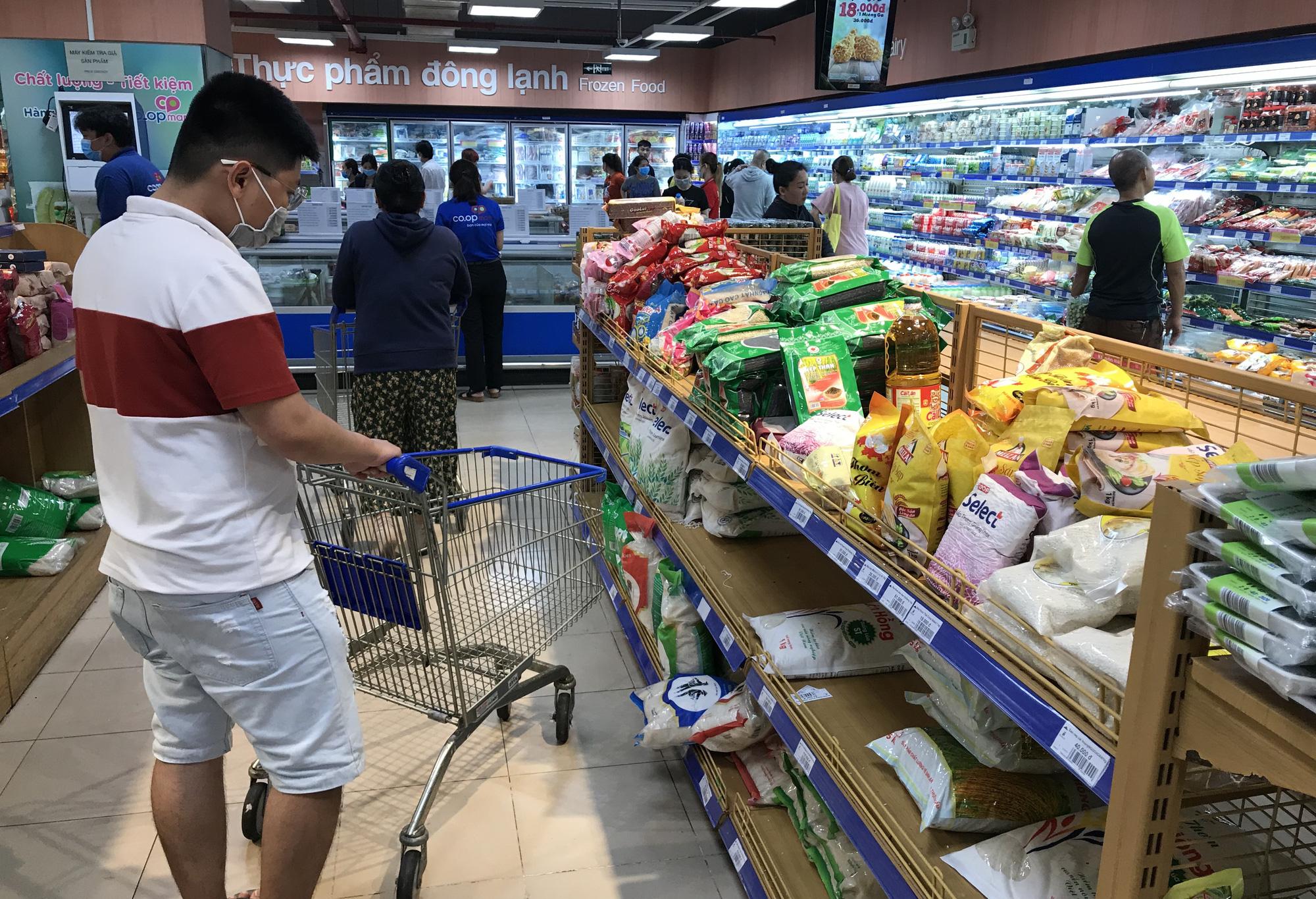 76% người Việt chuộng hàng Việt, tạo điều kiện phục hồi sản xuất và bán lẻ hậu COVID-19 - Ảnh 2.