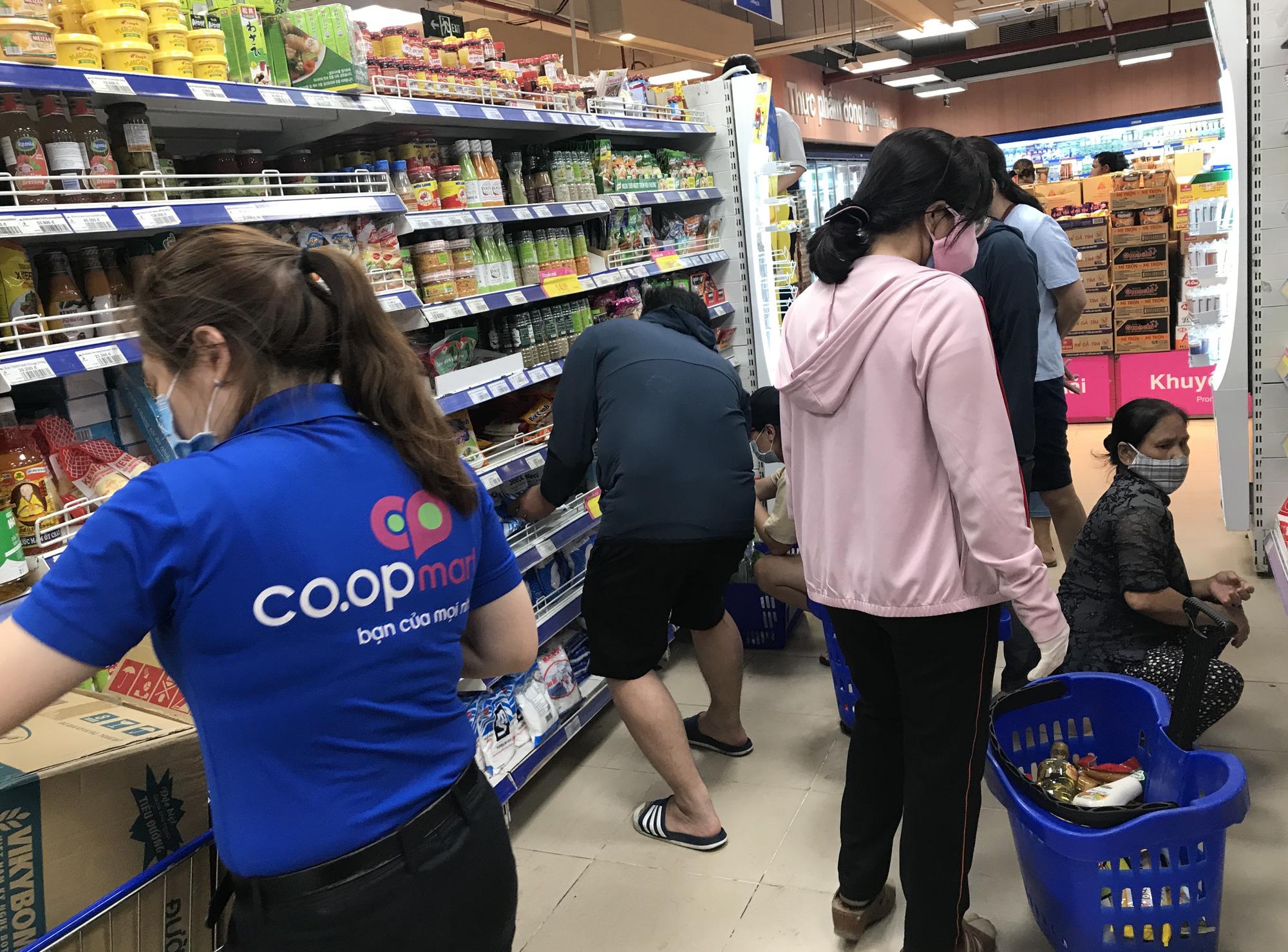 76% người Việt chuộng hàng Việt, tạo điều kiện phục hồi sản xuất và bán lẻ hậu COVID-19 - Ảnh 3.
