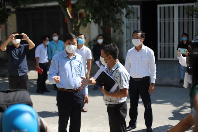 Hàng trăm chuyên gia và sinh viên tiếp tục được huy động đến Đà Nẵng ứng phó với COVID-19 - Ảnh 1.