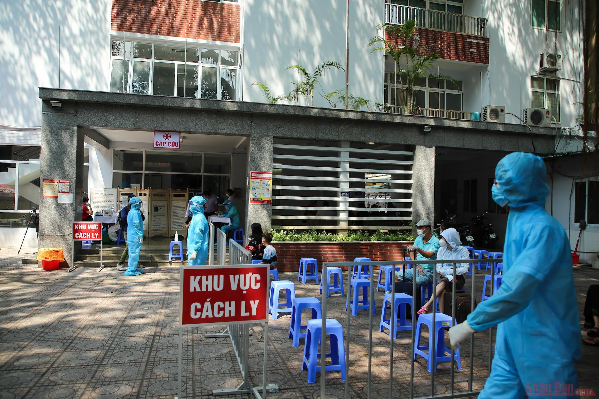 Hà Nội: Một trường hợp về từ Đà Nẵng test nhanh nghi mắc COVID-19 - Ảnh 1.