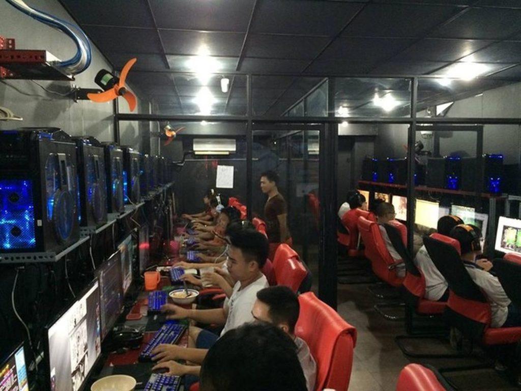 Phú Yên đóng cửa vũ trường, quán bar, quán net, rạp chiếu phim từ ngày 1/8 - Ảnh 1.