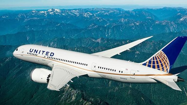 17.000 nhân viên hãng hàng không tự nguyện thôi việc, tổng giám đốc cám ơn nhưng nói vẫn phải sa thải thêm - Ảnh 1.