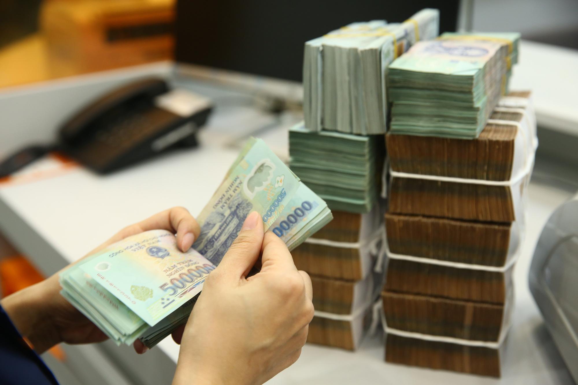 Nợ thẻ tín dụng hơn 6 triệu, 7 năm sau bị đòi gần 60 triệu đồng - Ảnh 1.