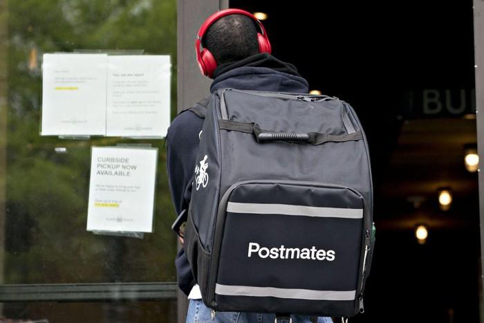 Uber bỏ 2,65 tỉ USD mua lại Postmates: Mảng giao đồ ăn cũng khó lòng 'cứu' được Uber - Ảnh 1.