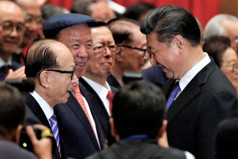 Ông trùm Hong Kong 'đi dây', sợ mất lòng cả Trung Quốc lẫn các ông lớn phương Tây - Ảnh 4.