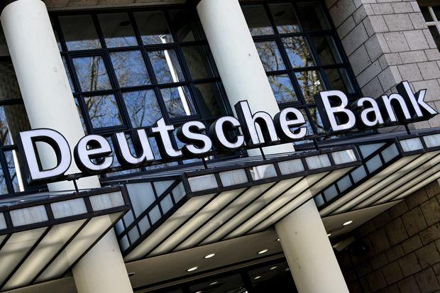 Deutsche Bank bị phạt 150 triệu USD do 'thiếu sát sao' trong việc giám sát các giao dịch của triệu phú Jeffrey Epstein - Ảnh 1.