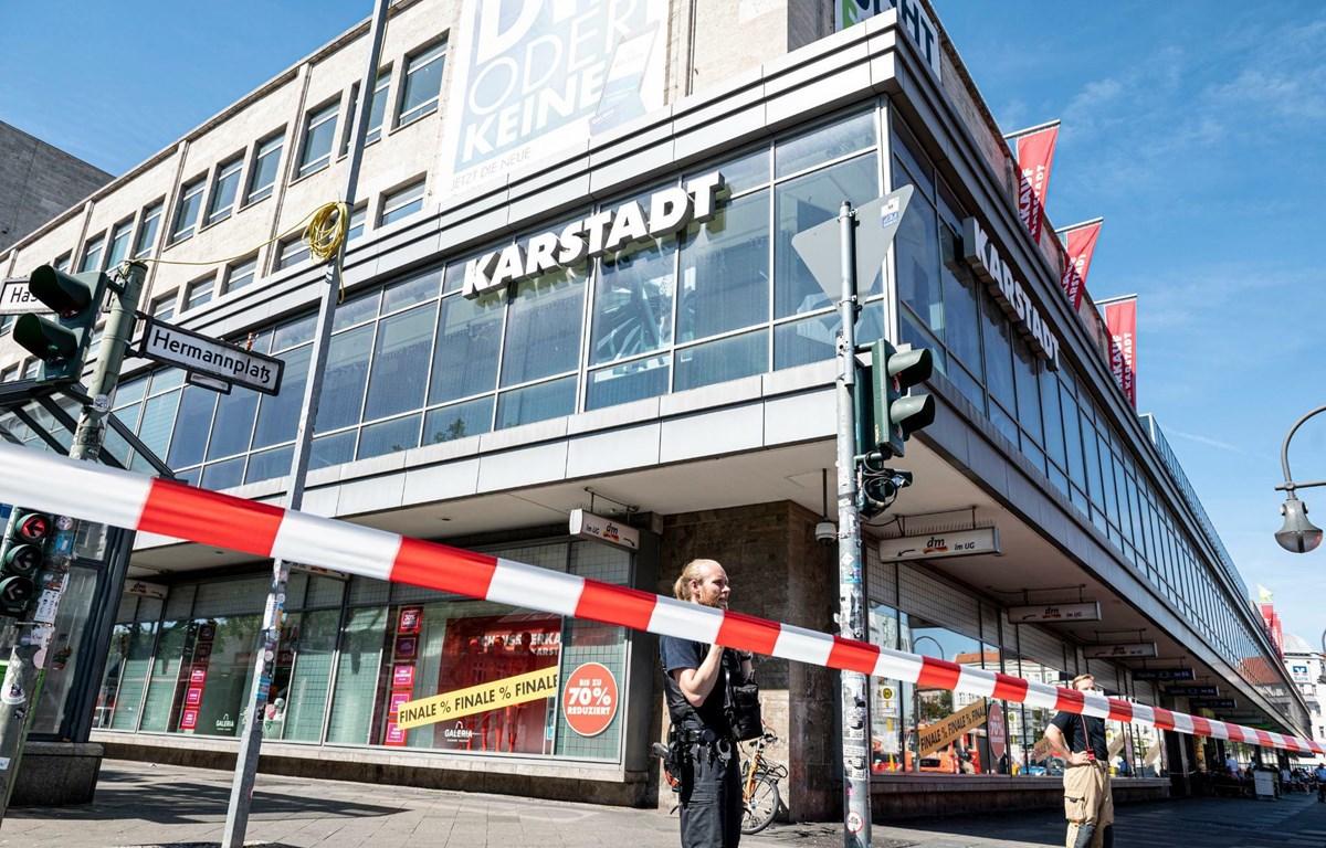 Cướp ngân hàng tại thủ đô nước Đức, nhiều người bị ngộ độc khí lạ - Ảnh 1.