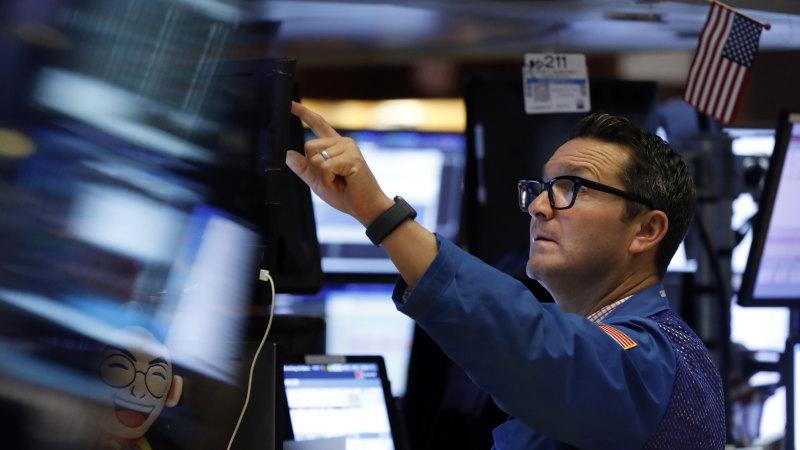 Chứng khoán Mỹ thăng hoa, S&P 500 gần sát đỉnh cao nhất mọi thời đại - Ảnh 1.