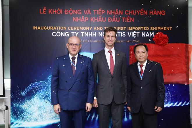 Nikkei: Việt Nam mời gọi EU đầu tư vào chuỗi cung ứng thuốc và y tế, Vingroup là nhân tố quan trọng - Ảnh 1.