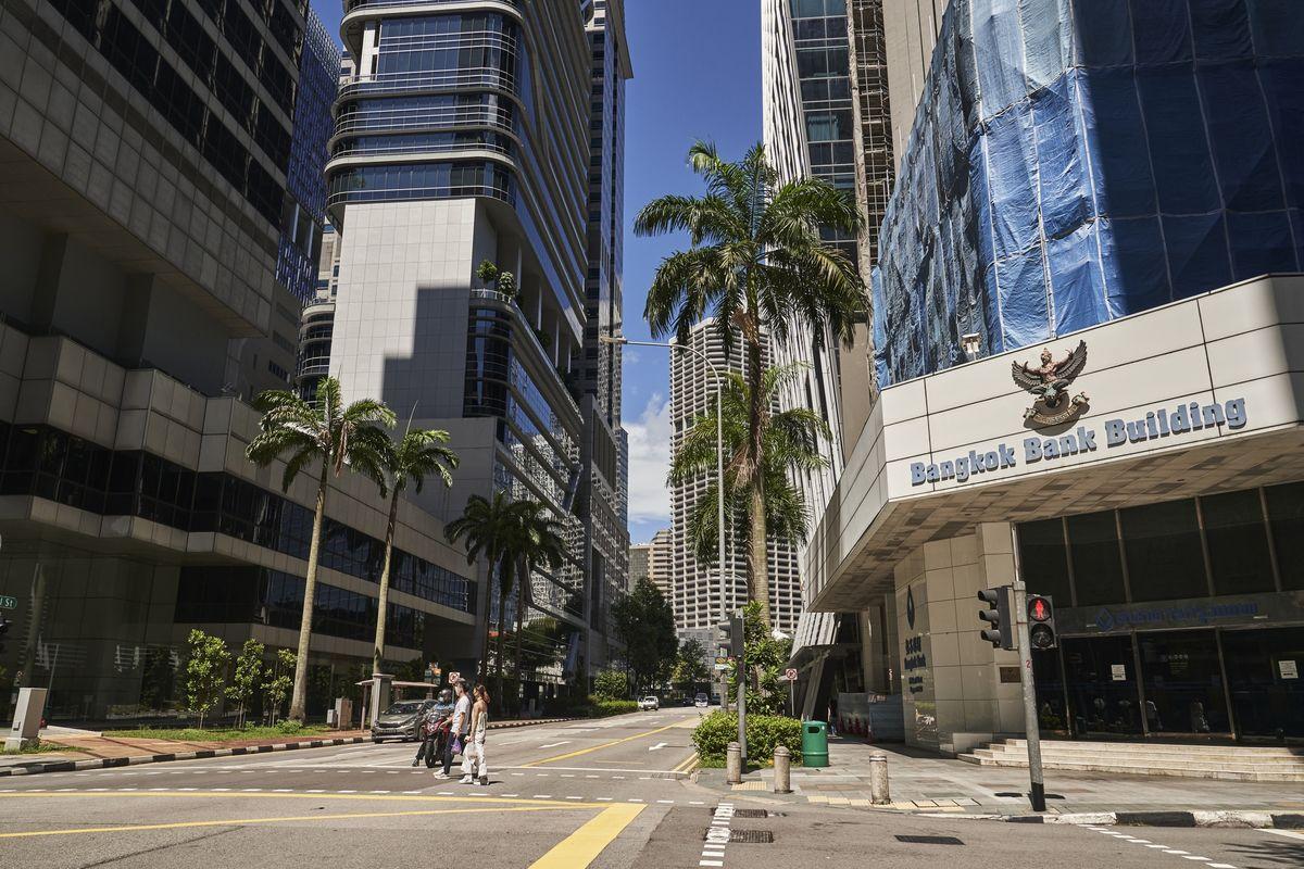 Nhiều nhân lực ngân hàng Singapore có thể mất việc làm trong nửa cuối năm 2020 - Ảnh 1.