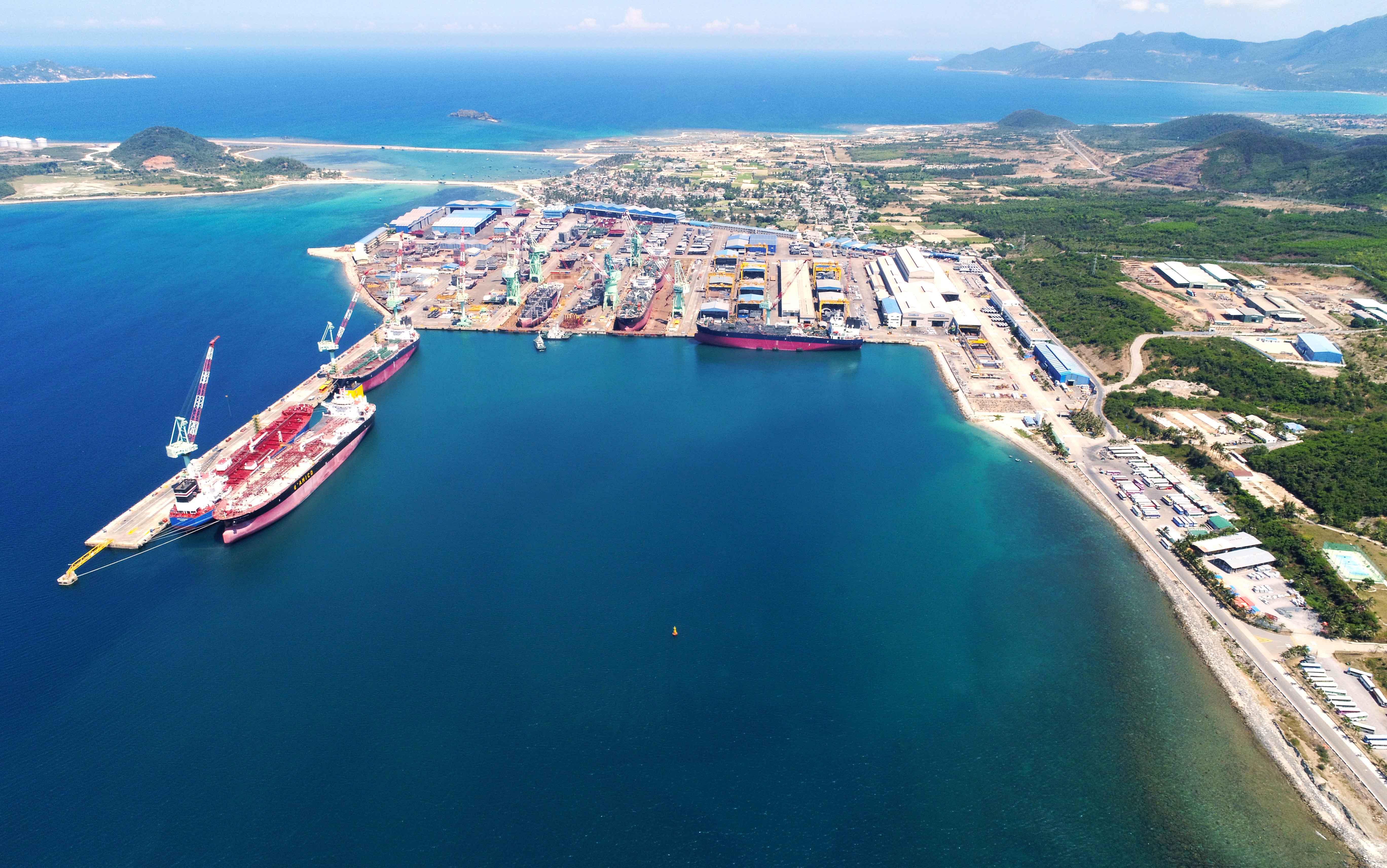 Khu kinh tế Vân Phong chờ diện mạo mới - Ảnh 1.