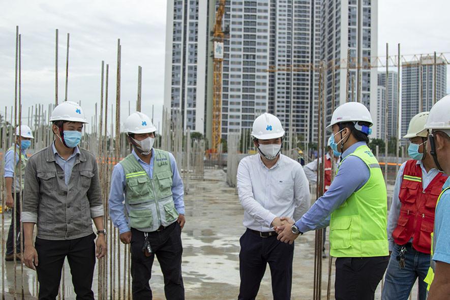 Coteccons, Hoà Bình và Central cùng khởi công phân khu 2 dự án Vinhomes Grand Park - Ảnh 2.