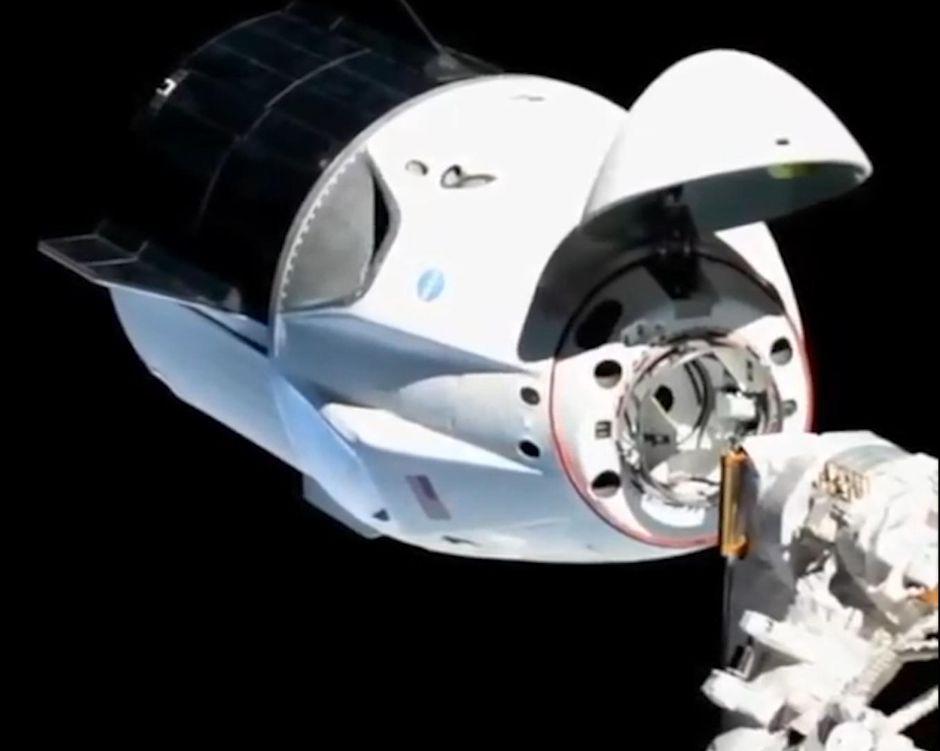 Đang 'đốt' tiền, công ty vũ trụ SpaceX của Elon Musk vẫn trở thành 'siêu kì lân' trị giá 46 tỉ USD - Ảnh 1.