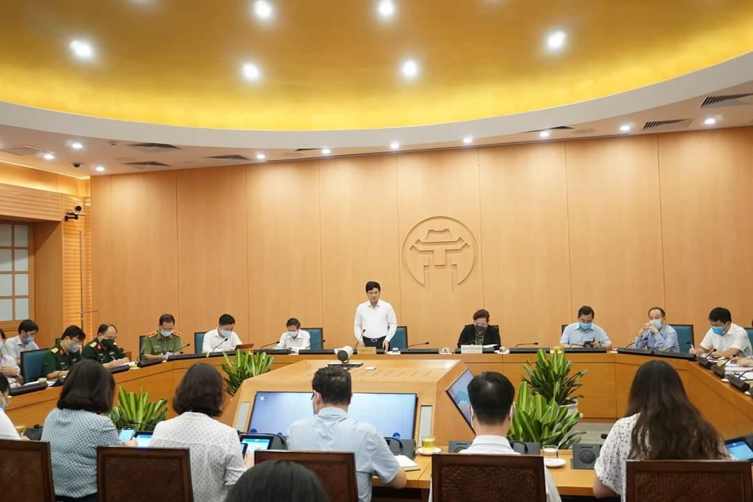 Hà Nội: Nguồn lây COVID-19 vẫn có thể còn trong hơn 22.000 mẫu người về từ Đà Nẵng chưa có kết quả xét nghiệm - Ảnh 1.