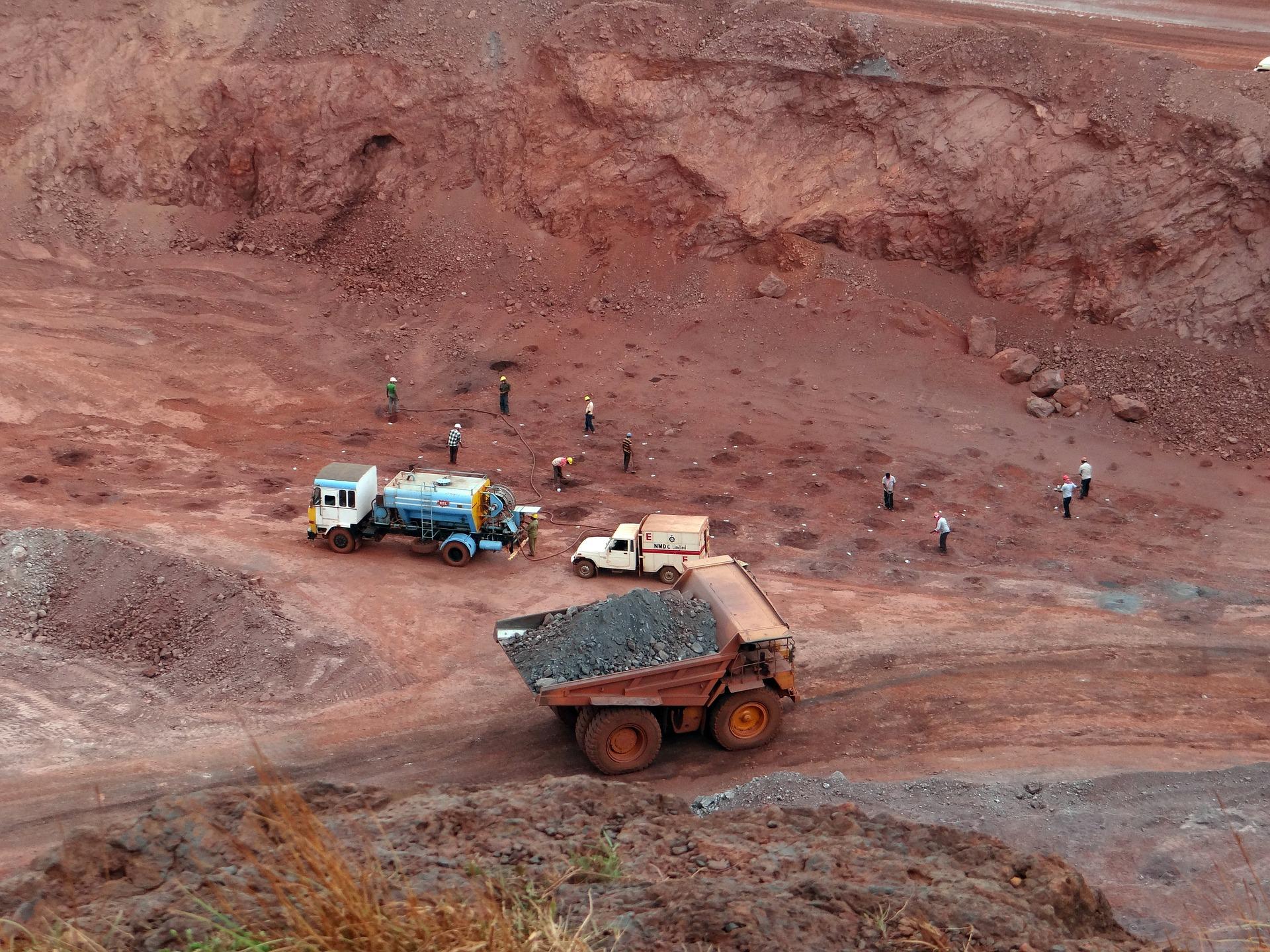 Bản tin thị trường kim loại ngày 21/8: Giá quặng sắt đang trong quá trình điều chỉnh giảm - Ảnh 1.
