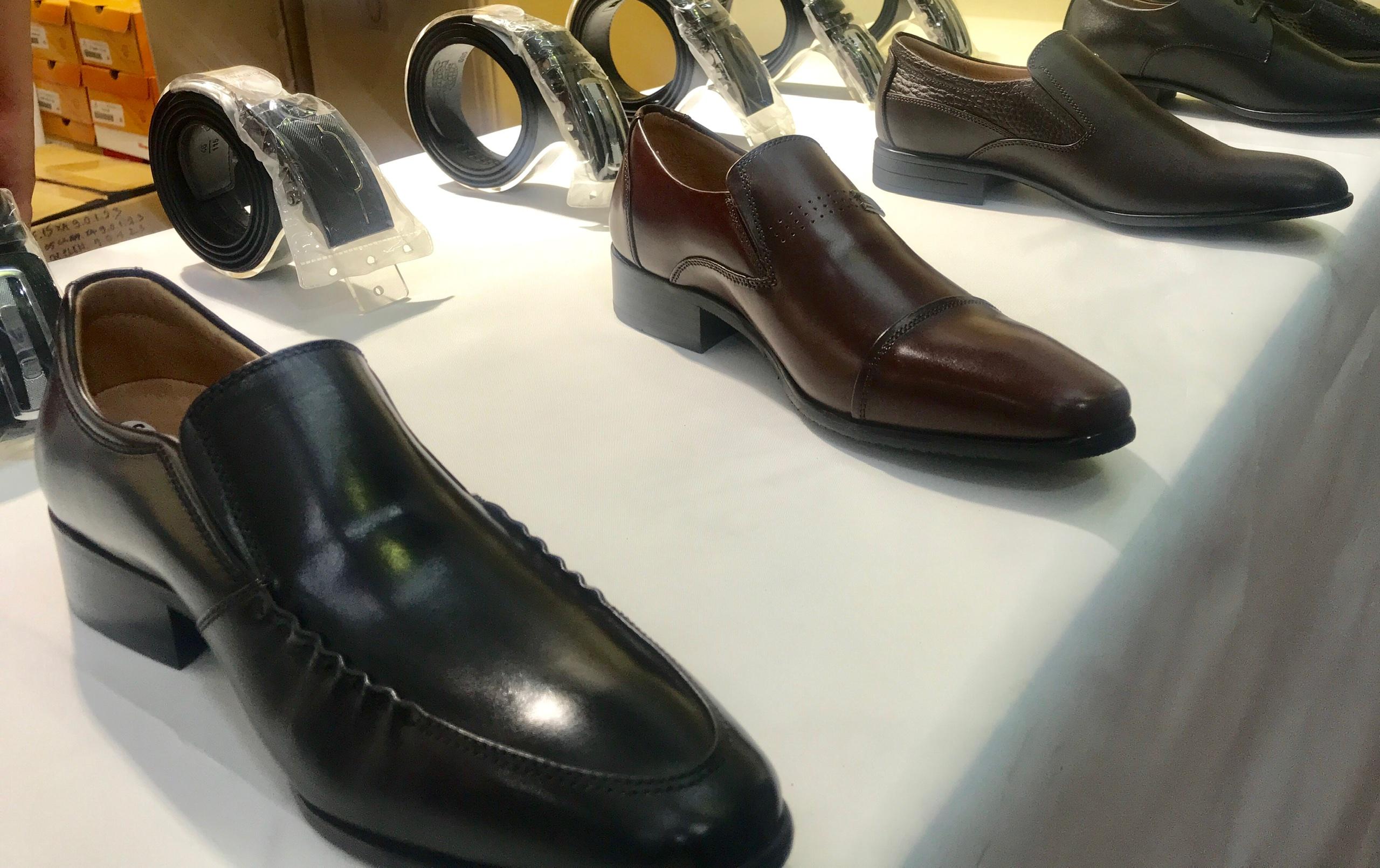 Xuất khẩu giày dép tháng 8 ước giảm hơn 17% - Ảnh 1.