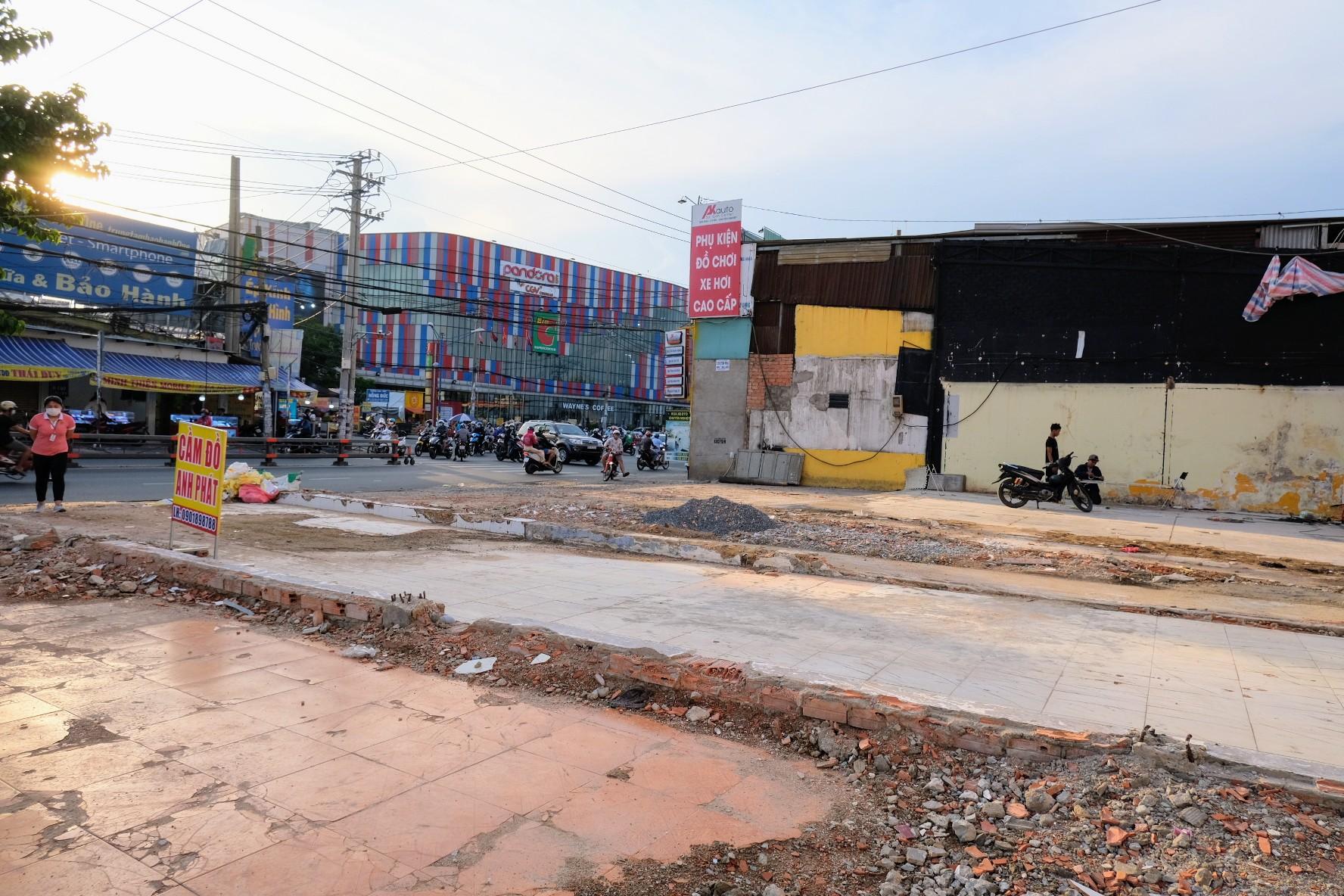 Dân Sài Gòn gấp rút bàn giao mặt bằng làm dự án metro 2 - Ảnh 1.