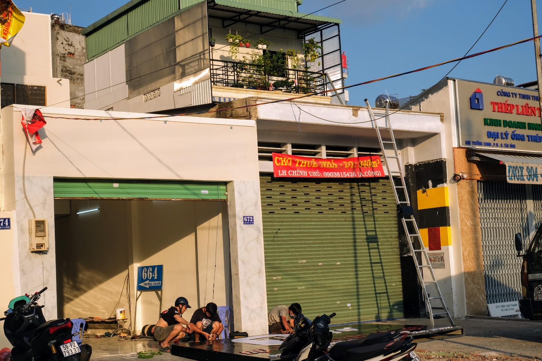 Dân Sài Gòn gấp rút bàn giao mặt bằng làm dự án metro 2 - Ảnh 2.