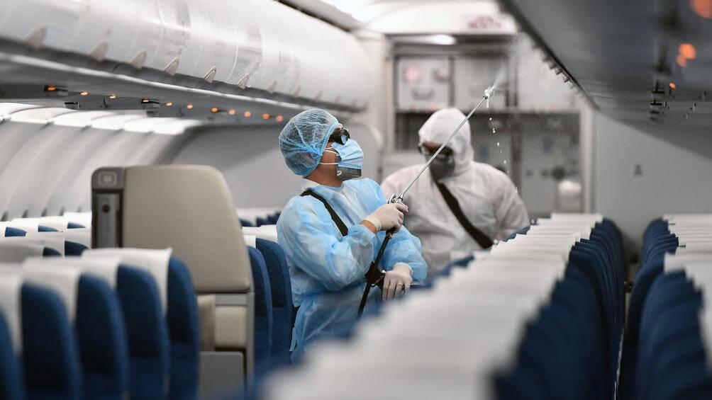 Thêm 4 bệnh nhân mắc COVID-19 là người nhập cảnh, được cách li ngay - Ảnh 1.